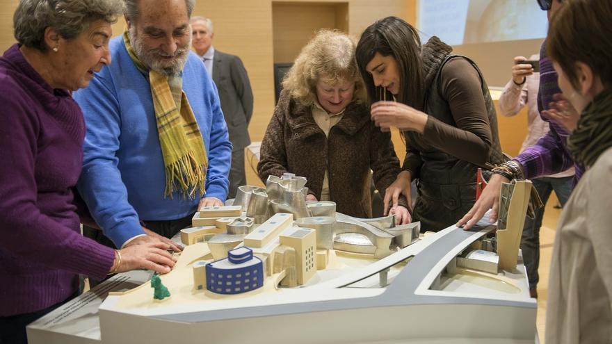 El Guggenheim elabora una audioguía para personas con discapacidad intelectual y una maqueta táctil para ciegos