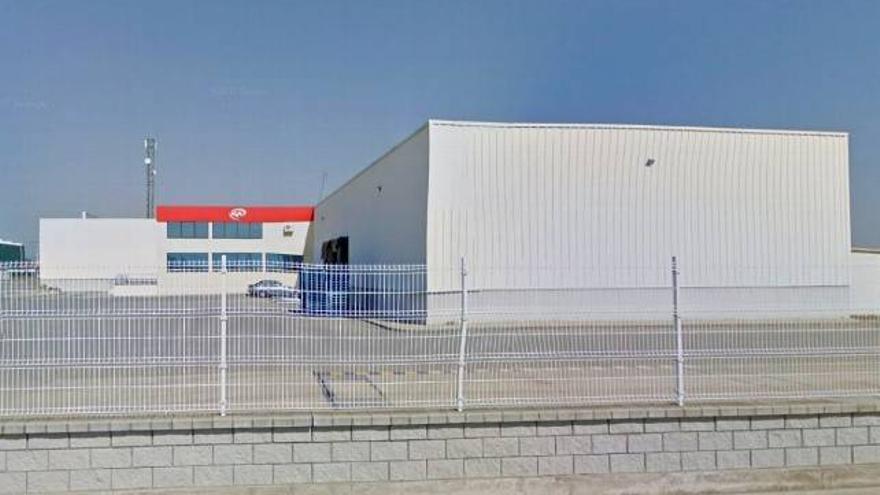 Fábrica de AGM en el polígono industrial de Riego de la Vega.