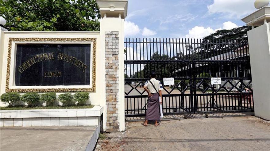 Birmania amnistía a 69 reclusos, entre ellos varios presos políticos