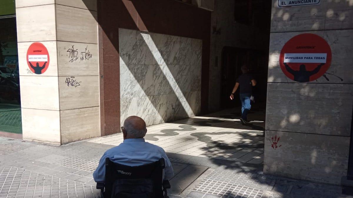 Las señales de Greenpeace en la ciudad de Córdoba.