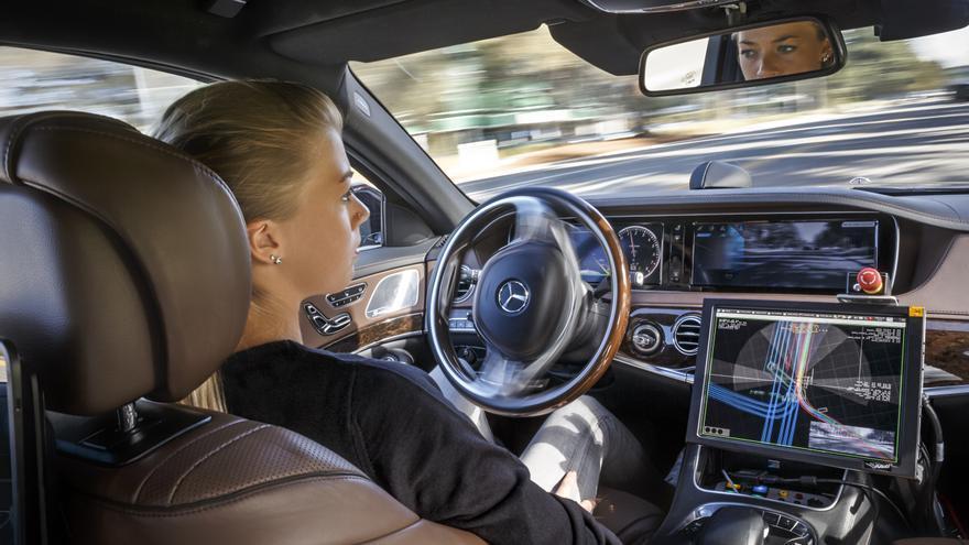 Los retos capitales del coche autónomo apuntan en múltiples direcciones, complicando su desarrollo.