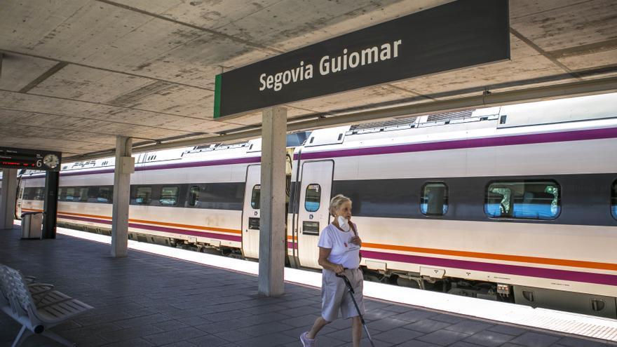 Imagen del AVE en su llegada a Segovia