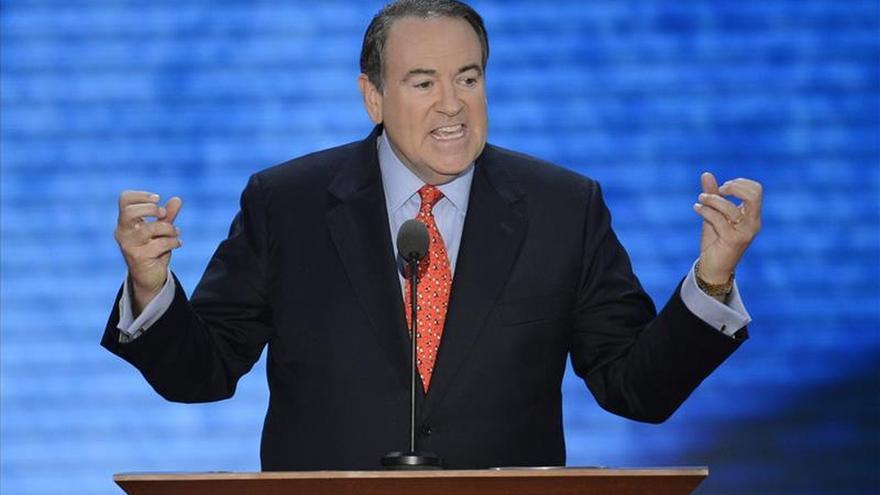 Huckabee entra en la carrera republicana para las elecciones de 2016 en EE.UU.