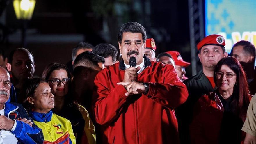 Maduro advierte sobre medidas contra el Parlamento, las Fiscalía y medios privados