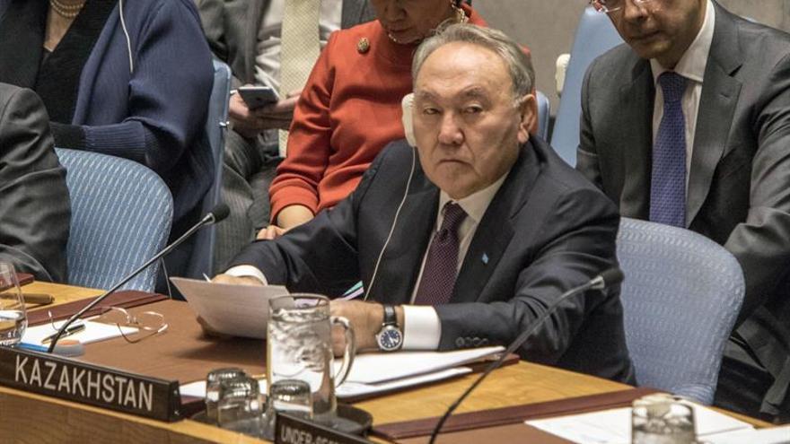 Nazarbáyev defiende iniciativas sociales para fomentar unidad del país