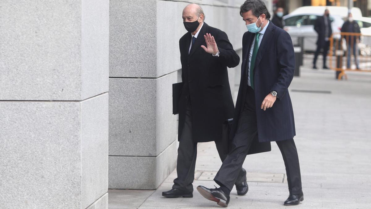 El exministro del Interior Jorge Fernández Díaz llega a la Audiencia Nacional para realizar un careo relacionado con la pieza 'Kitchen'