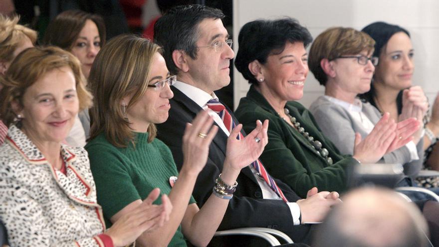 Carme Chacón y Patxi López en un acto en Bilbao en el año 2009 / FOTO: EFE / Alfredo Aldai
