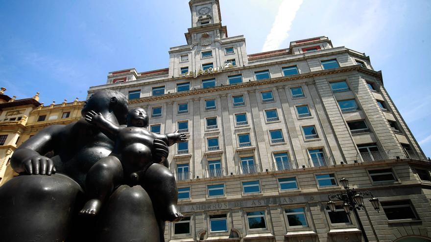 La antigua sede de la Caja de Ahorros de Asturias, ahora Liberbank. Foto: Pablo Lorenzana