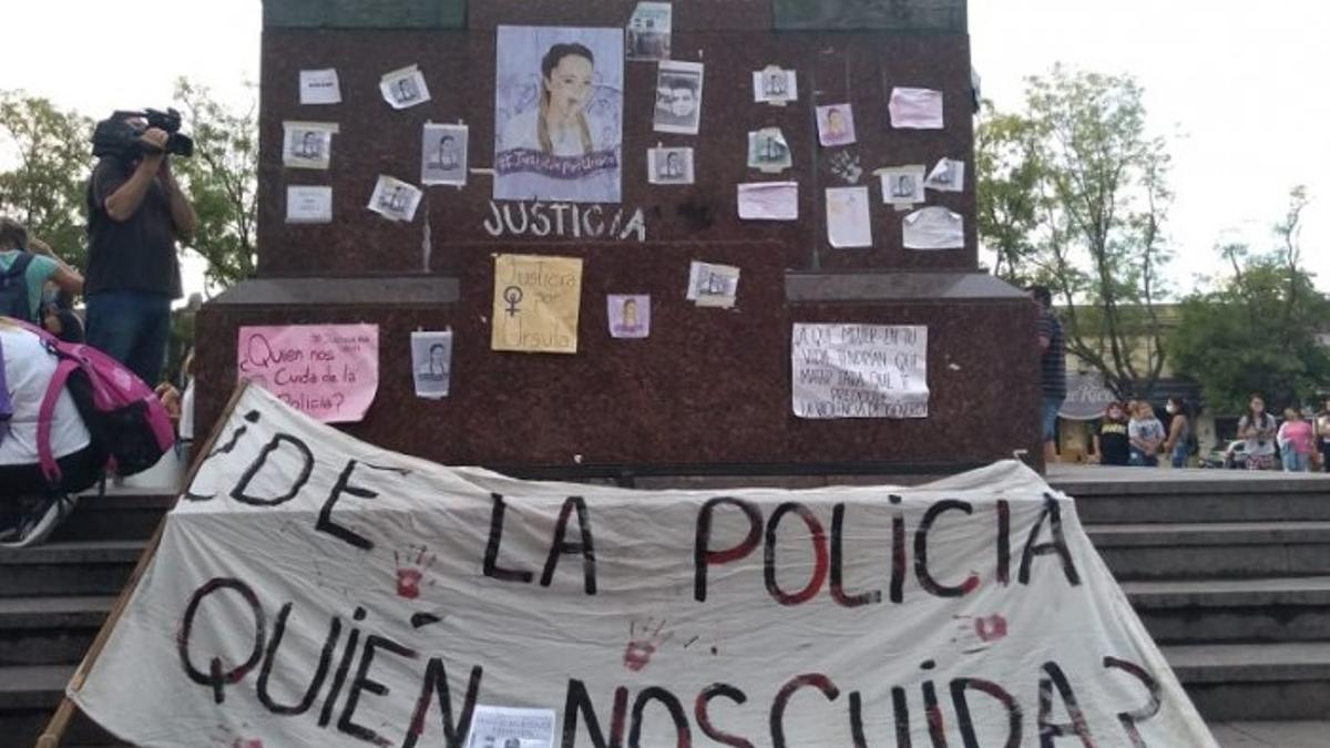 El pedido de justicia por Úrsula también incluye la pregunta de quién nos cuida de los policías.