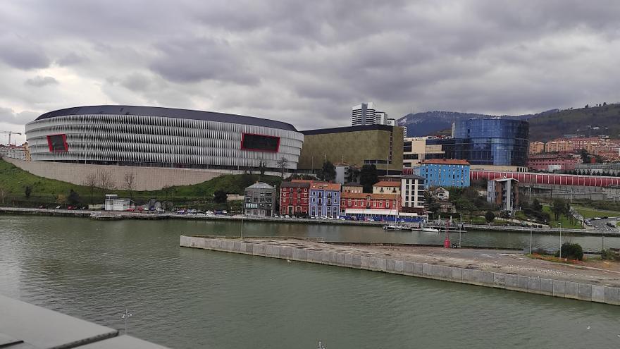 Archivo - Exteriores del campo San Mamés, en Bilbao.
