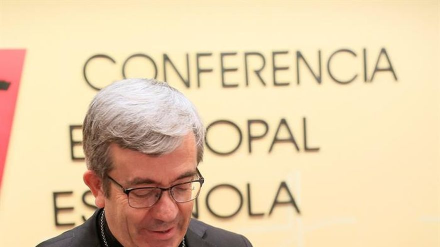 "Argüello cree que sacerdotes deben ser ""enteramente varones, heterosexuales"""