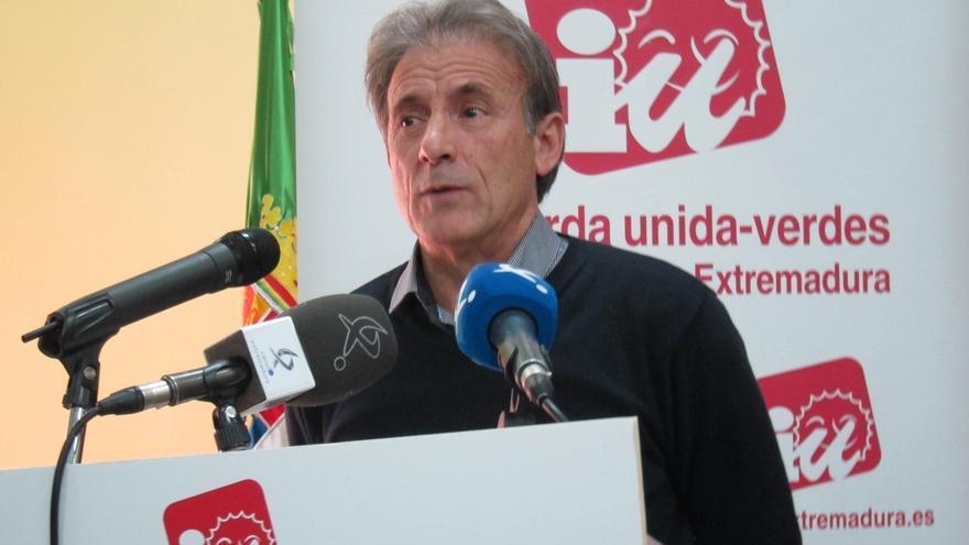 Pedro Escobar repetirá como candidato de IU en Extremadura tras ganar las primarias con el 84% de los votos