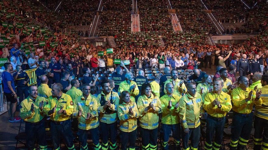 Gala de homenaje a los 'héroes' que lucharon contra el incendio que asoló las cumbres de Gran Canaria en agosto
