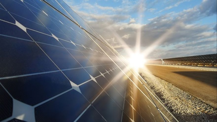 Miles de familias españolas apostaron por la inversión en huertos solares espoleadas por el gobierno.