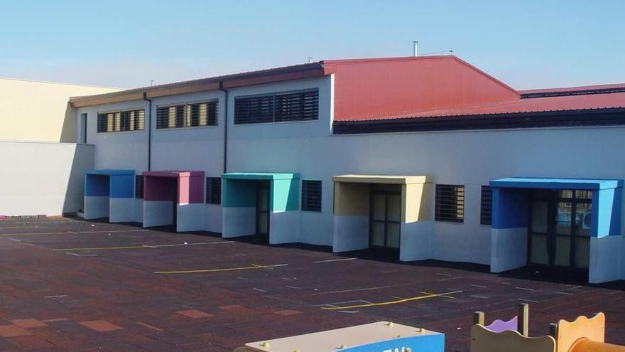 Colegio Gil Tarín, en 2015, tras la primera ampliación