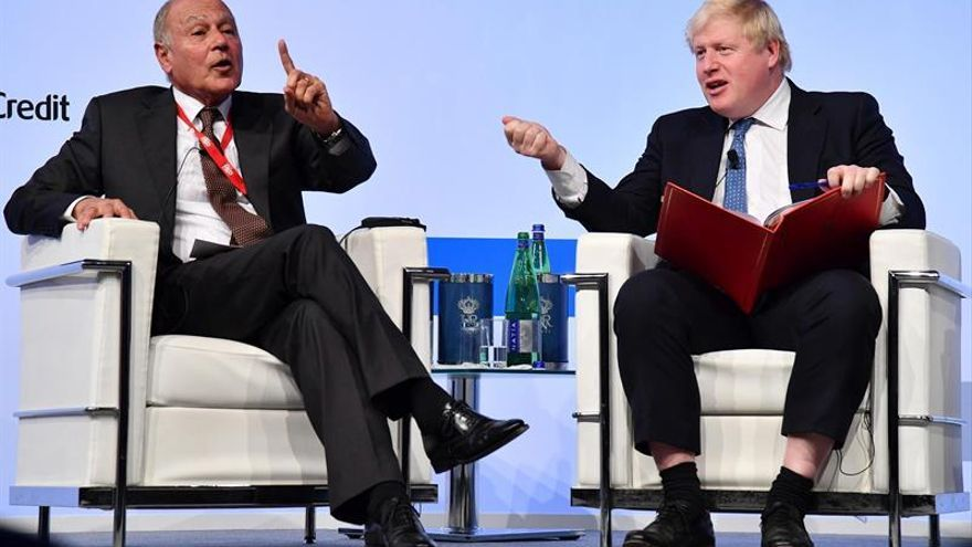 """Johnson dice que Reino Unido luchará con Europa frente al EI pese al """"brexit"""""""