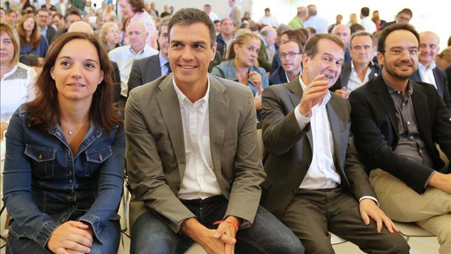 Sánchez: si España quiere ser solidaria, el Gobierno debe ser el primero