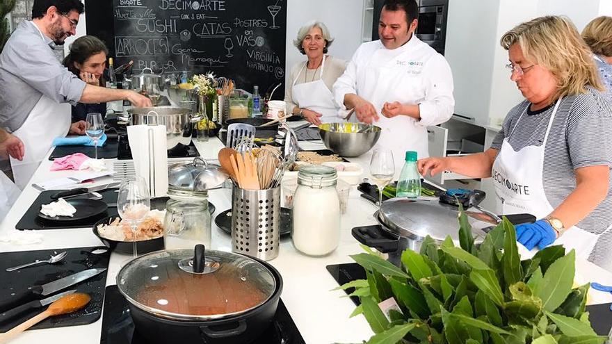 Un show cooking en Espacio Décimo Arte.