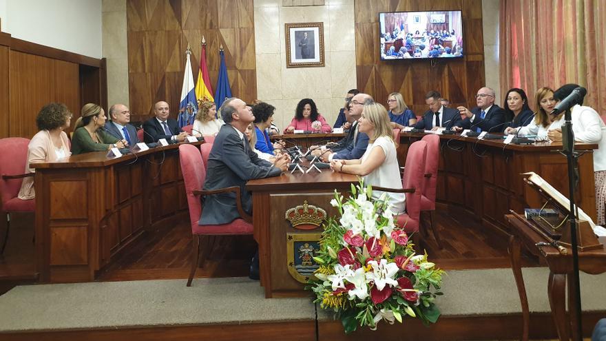Imagen de los nuevos consejeros y consejeras del Cabildo.