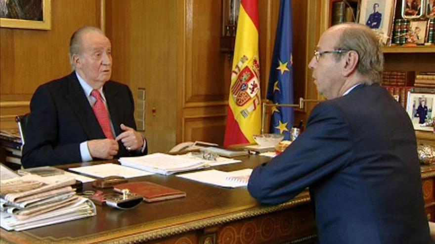 El Rey insiste en pedir a Rajoy y Rubalcaba consensos contra el paro