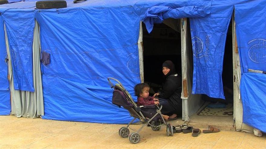 Desplazados sirios en situación trágica en la frontera con Jordania, dice ONG