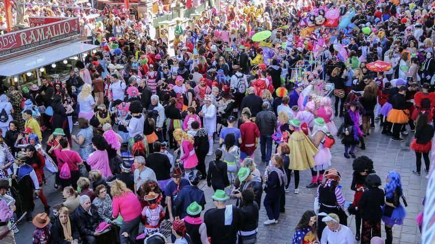 El Carnaval de Día se ha convertido en una de las citas más esperadas del programa de actos de estas fiestas.