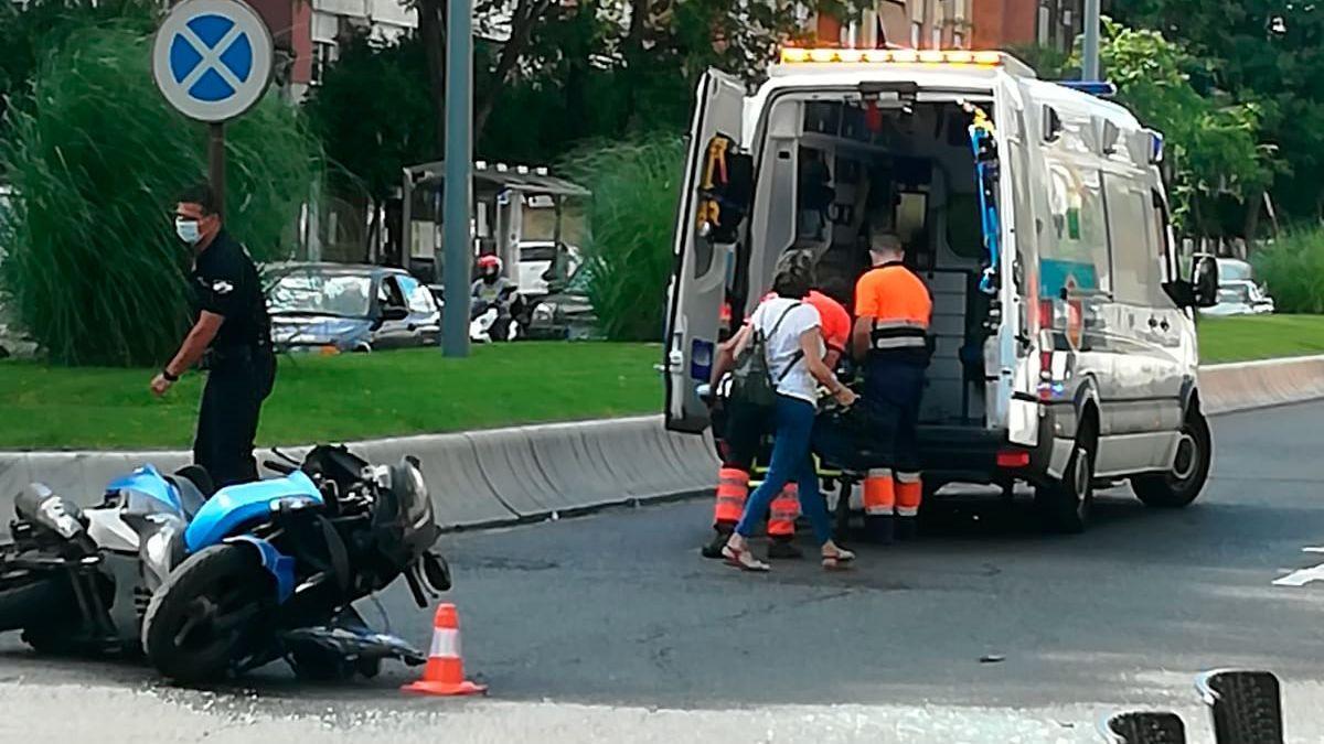 Accidente de tráfico en la avenida Barcelona este viernes.