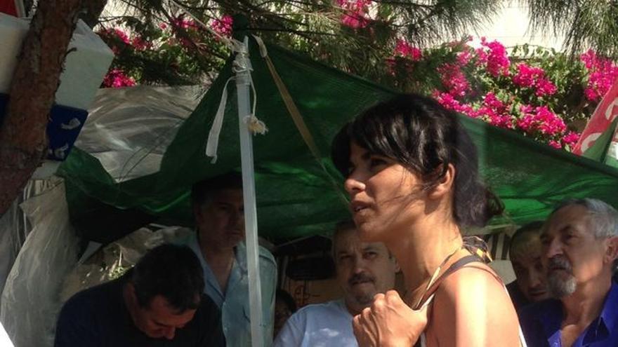 Teresa Rodríguez, reunida con los trabajadores de mantenimiento de los hospitales andaluces.