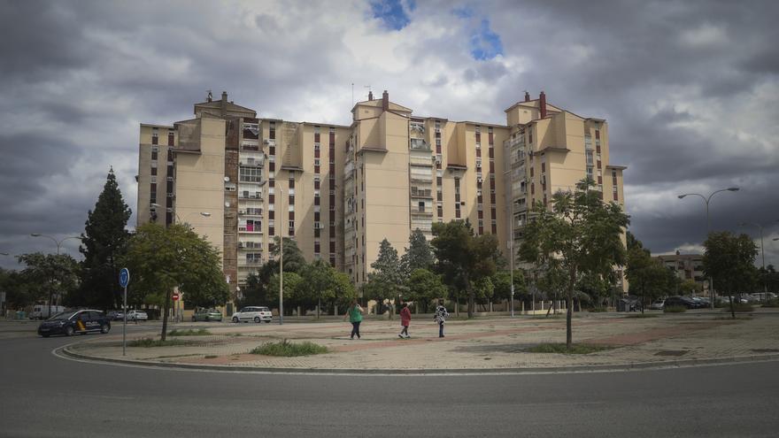 El Polígono Sur y Los Pajaritos repiten como barrios más pobres de España según el informe anual del INE