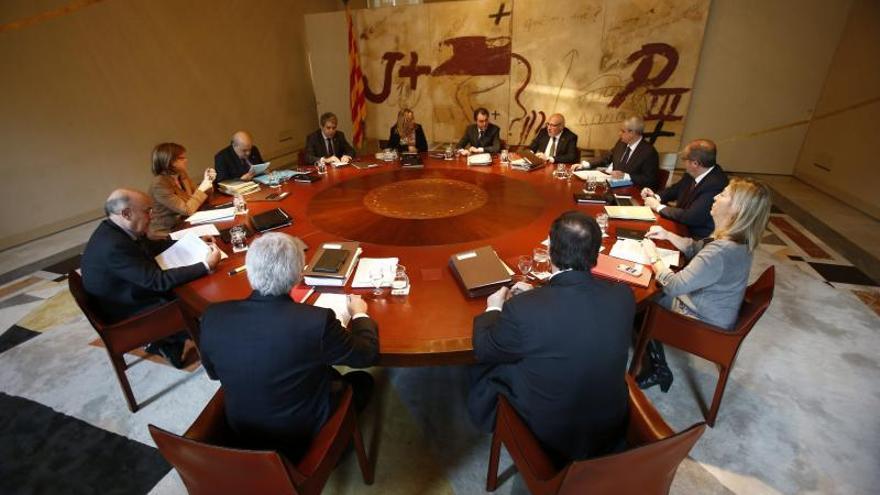 """El Govern denuncia que el PP """"castiga"""" e """"insulta a la inteligencia de los catalanes"""""""