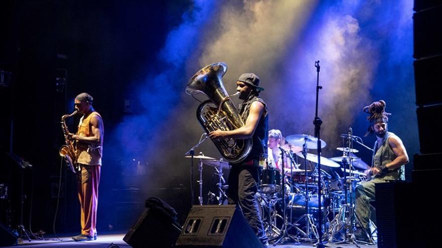 El grupo Sons of Kemet, durante su concierto en el Cartagena Jazz Festival