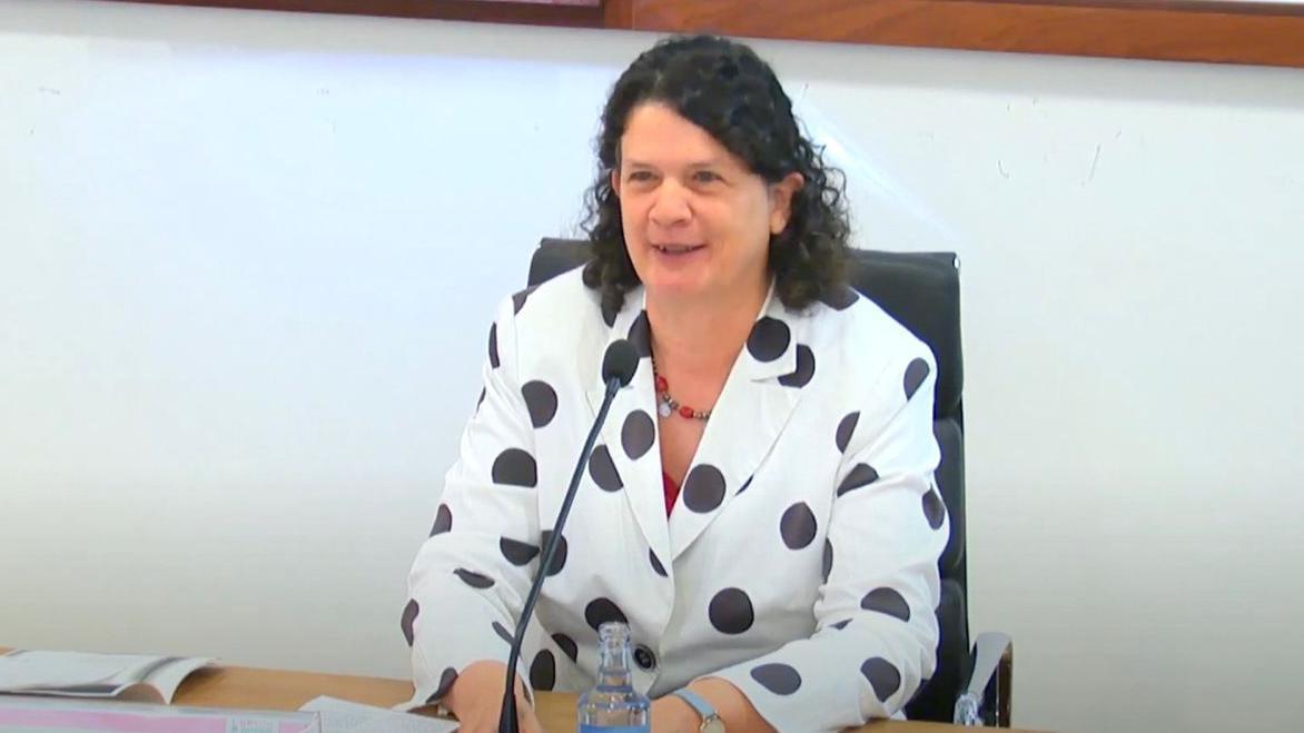 Helena Cortés durante una presentación en la Universidad de Vigo