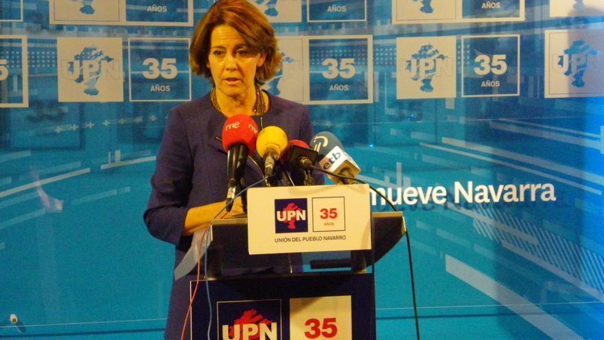 La presidenta del Gobierno de Navarra, durante la rueda de prensa de este lunes.