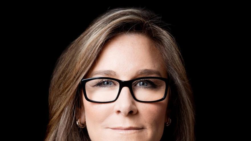 Angela Ahrendts, la vicepresidenta ejecutiva de las tiendas físicas y online de Apple