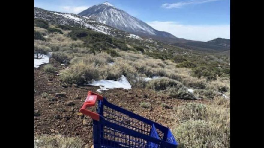 'Nevada' de basura, mascarillas y todo tipo de plásticos en el Parque Nacional del Teide