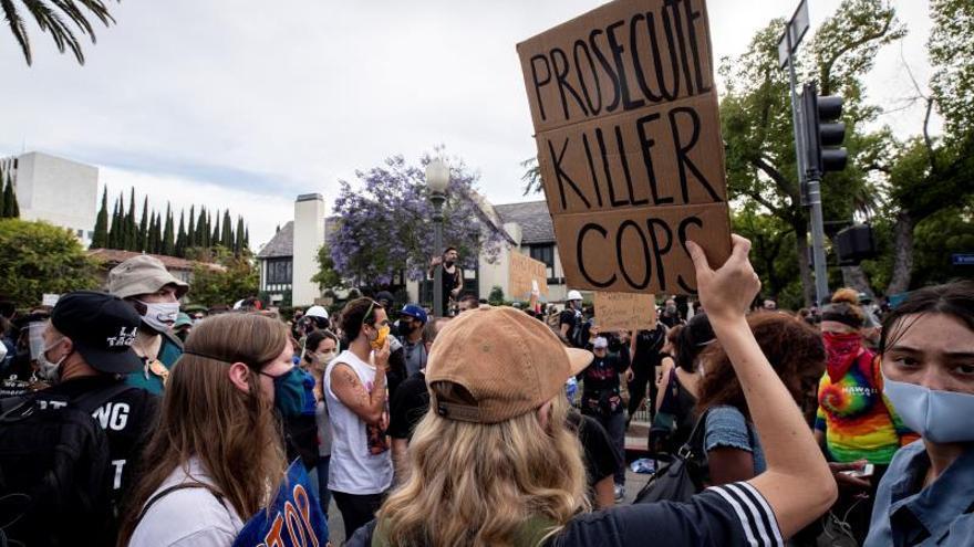 Las protestas cobran fuerza en Estados Unidos tras el desafío de Trump