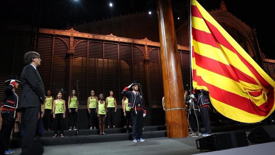 El acto institucional evoca del drama de los refugiados y su influencia en Cataluña