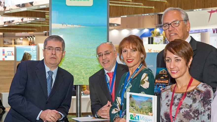 El presidente del Cabildo de Gran Canaria Antonio Morales se a trasladado a la Feria de Turismo de Londres junto a la consejera de Turismo, Inés Jiménez y con empresarios grancanarios