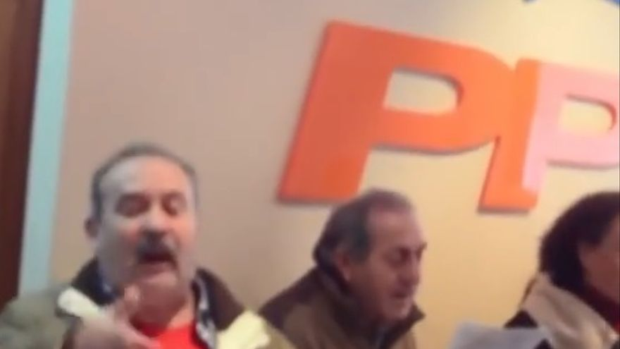 Villancicos en la sede del PP