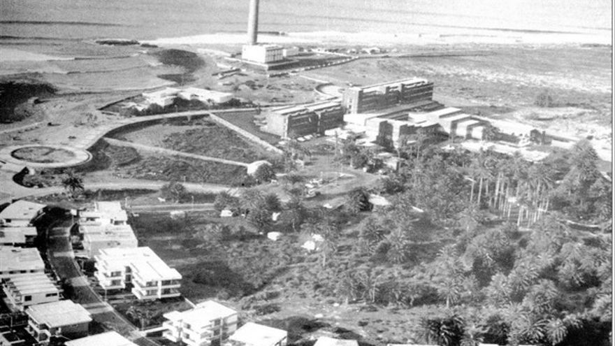 Vista aérea del hotel Oasis tras su construcción.