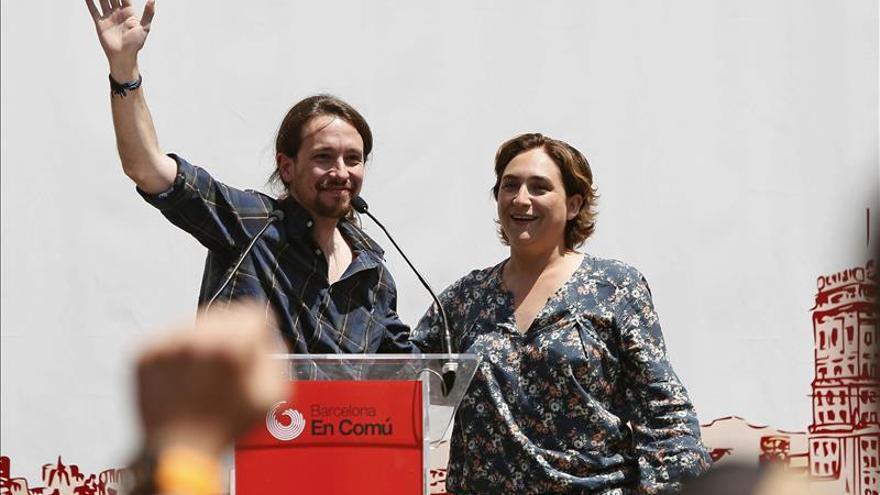 Iglesias tacha a Mas y Pujol de gentuza y Colau pide echar mafia de Barcelona