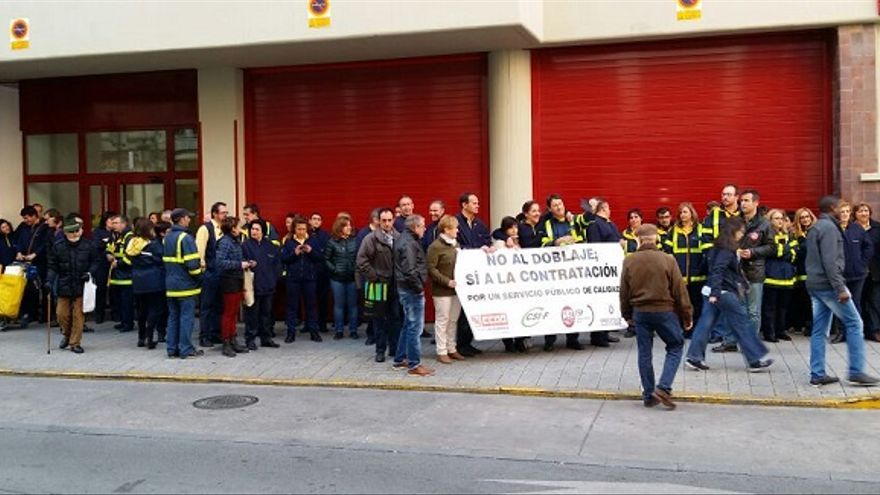 Concentración de los trabajadores de Correos en Albacete / Foto: Albacete Capital