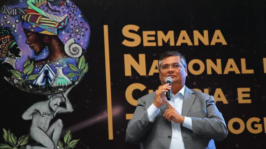 El gobernador Flávio Dino, en uno de lo actos de los programas sociales del estado de Maranhão