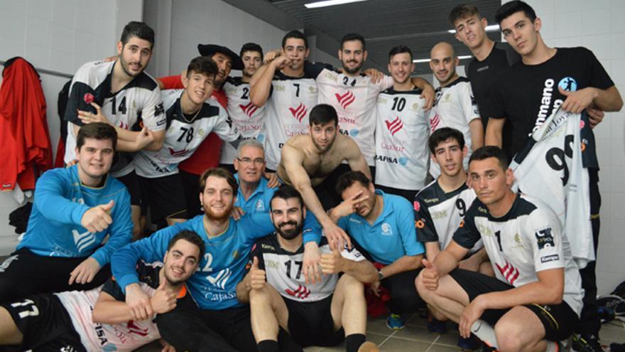 Los jugadores del Cajasur CBM, tras su triunfo ante el Sant Quirze. | CÓRDOBA BM