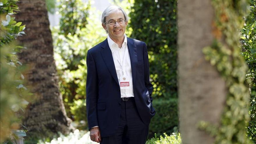 Premio Nobel de Economía dice en Lima que el euro no hizo más fuerte a Europa
