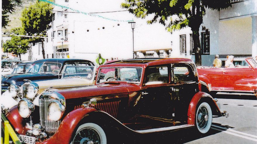 El PSOE pide la Medalla de Oro de la Ciudad de El Paso para el Club de Automóviles Antiguos del municipio