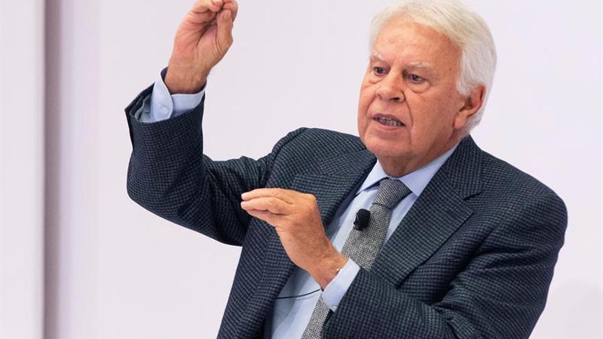 González: No necesitamos relatores ni mesas de partidos sobre Cataluña