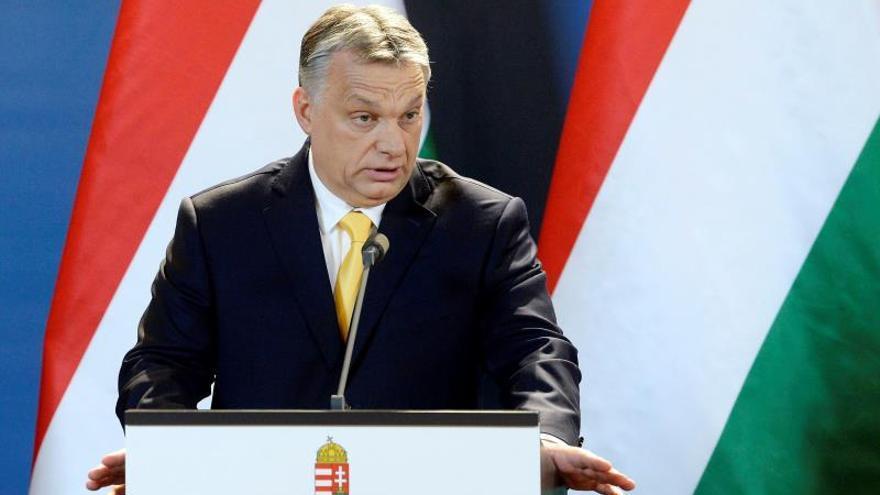 Un proyecto de ley en Hungría castiga con la cárcel la ayuda a inmigrantes