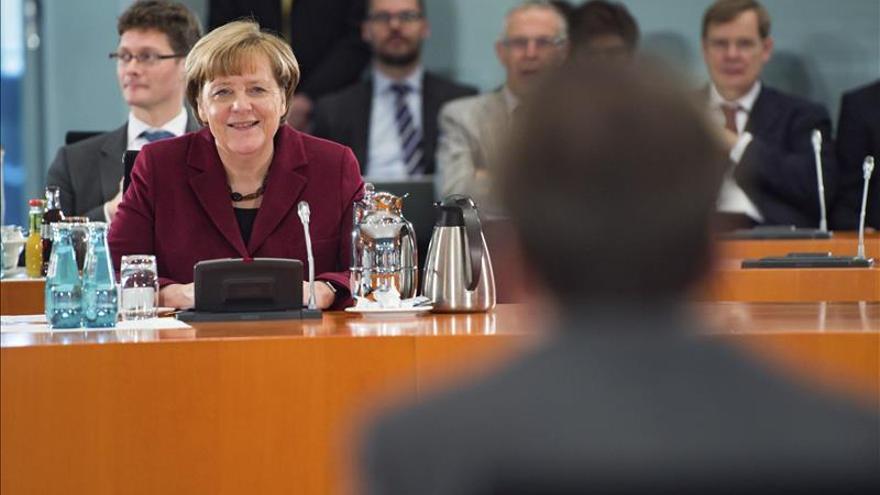 La Unión de Merkel cae nueve puntos desde agosto, mientras los euroescépticos ganan siete