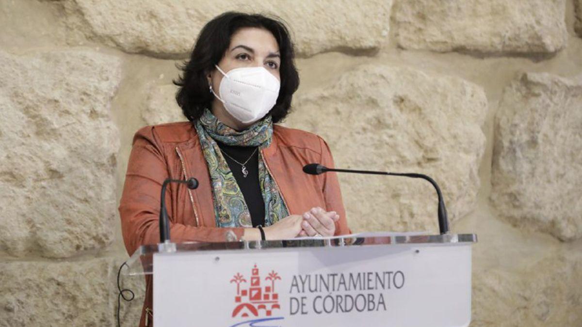 Eva Timoteo en la comparecencia pública para anunciar su dimisión.
